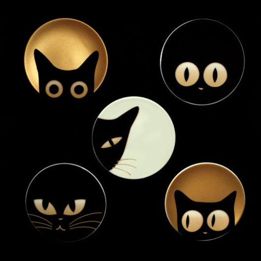 Cats, black cats, Cat Eyes Plates, Abodeon, home accessories, kitchen accessories, housewares, Made in Japan, Christmas gifts, The perfect Hostess gift, Holiday gift guide,  Unique gift items for cat lovers, plates,