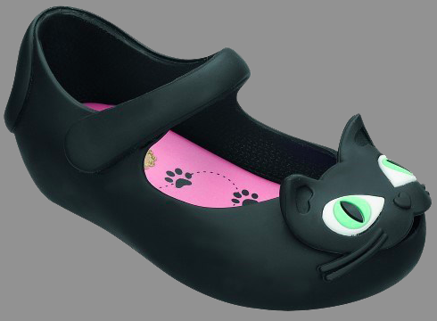 Mini Melissa Ultragirl Cat, Shoes, Melissa Shoes, Kids Shoes, Black Cats, Mary Jane Shoes, Kids fashion, Gifts, Holiday Gift Ideas for Kids, Vegan shoes, Eco-Friendly Shoes, Melissa Brazil, art, design, technology and sustainability