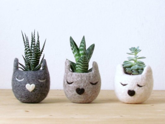 Buy it, Give it, Christmas, Christmas gift list, Cat themed gifts, unique gifts for cat lovers, Cat themed Christmas gifts, holiday gift ideas for cat lover, Planters, Cat head planters, Etsy, gifts for the home, shopping for a cause, fun ideas for cat lovers